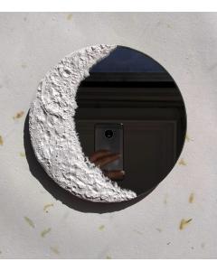 Espejo redondo con fase lunar menguante hecho a mano