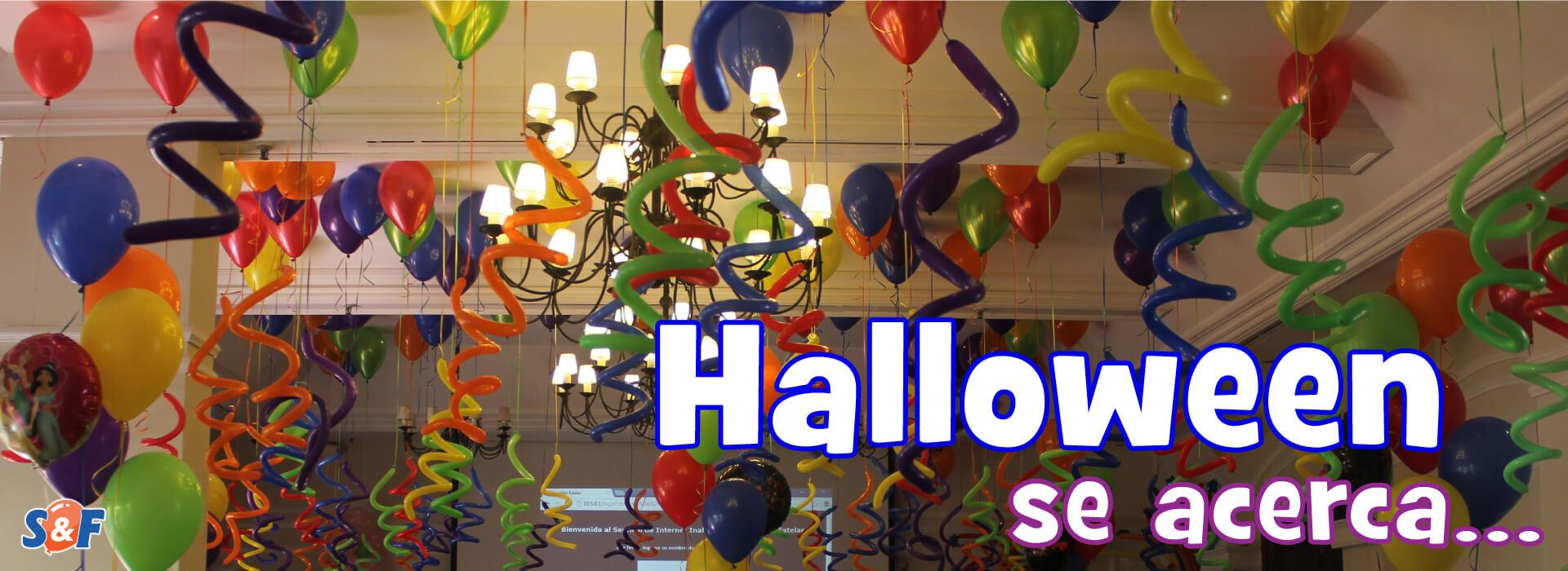 Halloween se acerca, decoración con globos con helio certificado y espirales de colores para ambientar y celebrar.